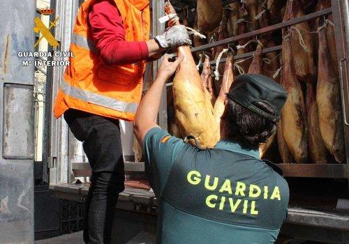 Decomiso de jamones por la Guardia Civil
